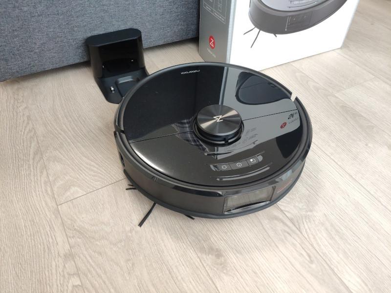 Robot Roborock S6 Max V tự động sạc